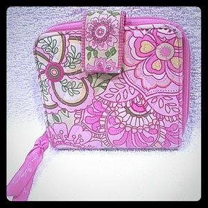 A Vera Bradly wallets pink floral